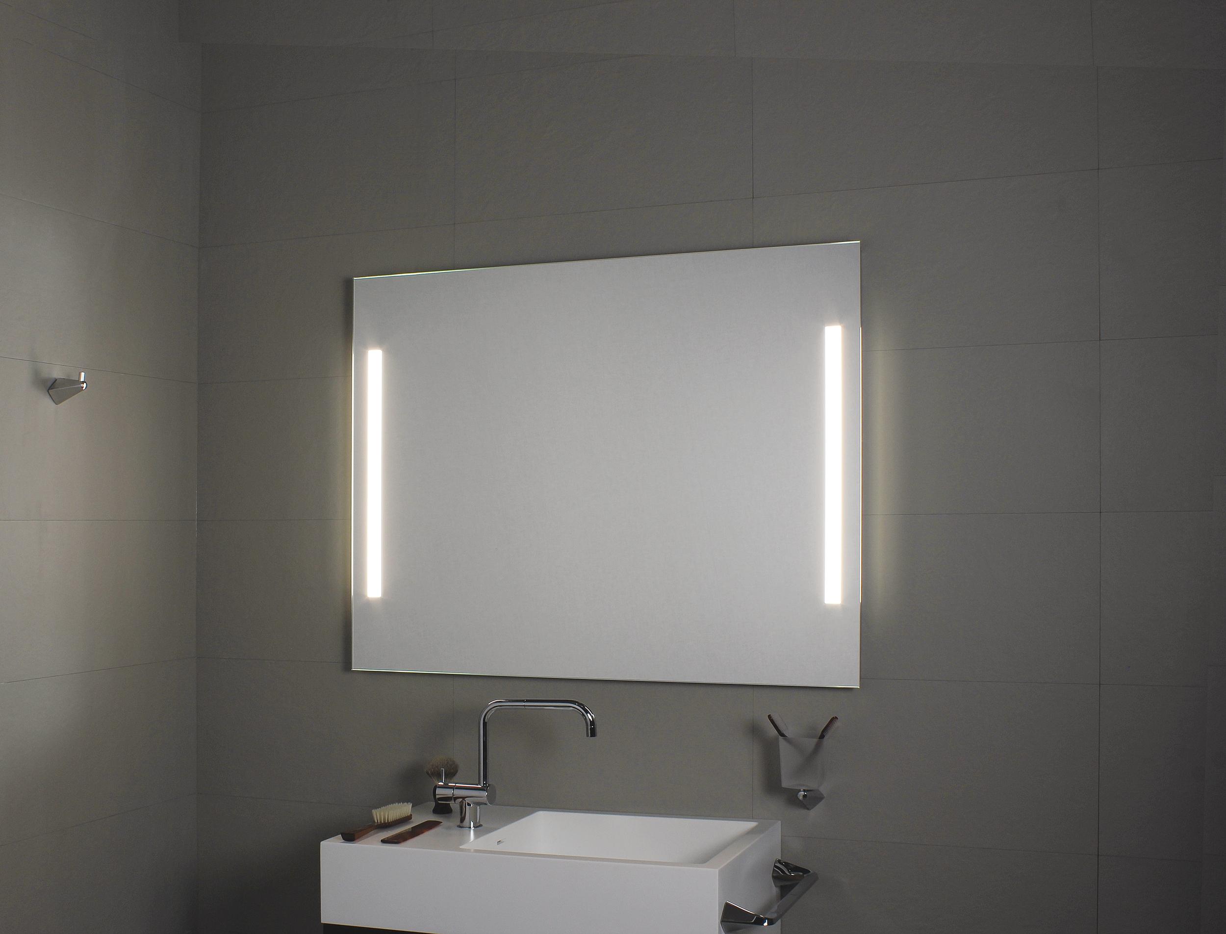 koh i noor illuminazione laterale t5 spiegel mit seitlicher spiegelbeleuchtung 800 x 800 mm 45726. Black Bedroom Furniture Sets. Home Design Ideas