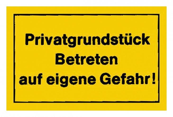 Werkstatt 2017 Foto Verbotsschilder-Privatgrundstueck-betrete