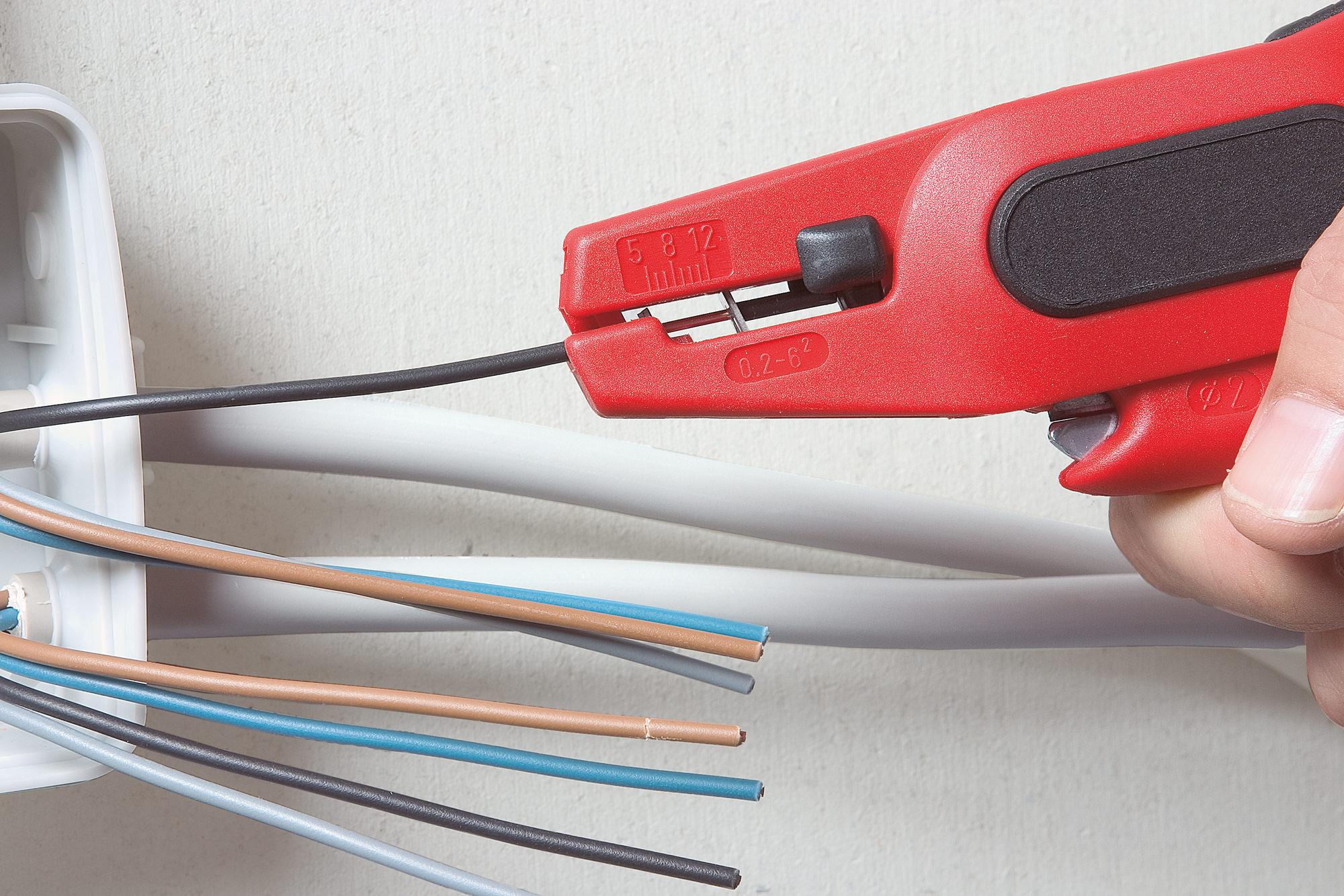 fortis automatische abisolierzange f r kabel 0 2 6qmm. Black Bedroom Furniture Sets. Home Design Ideas